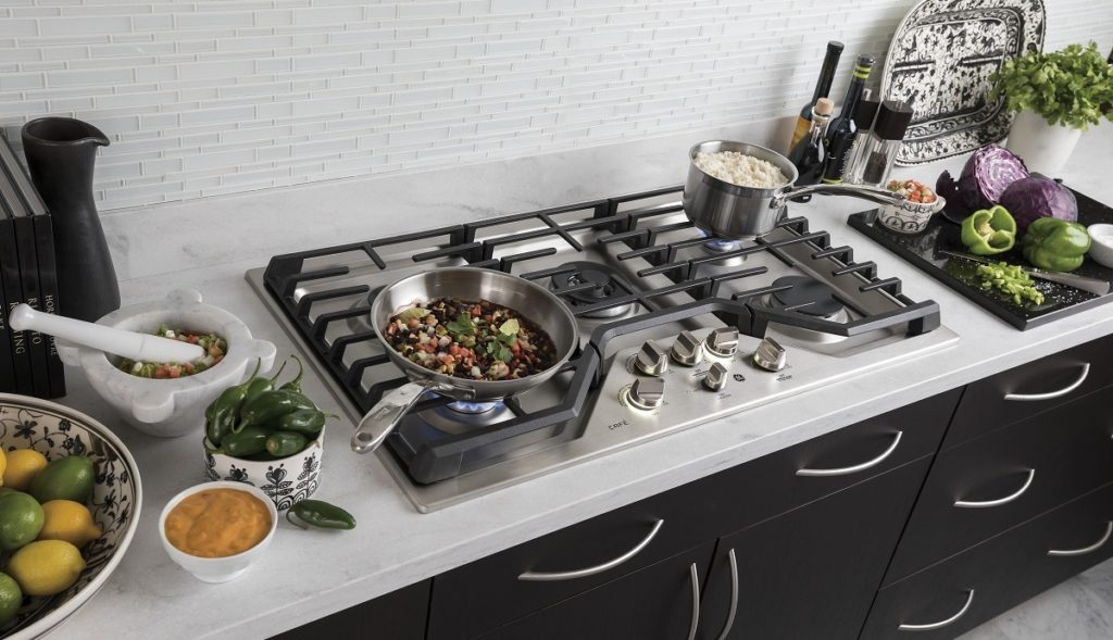 This Is One Of The Best Gas Cooktop With Griddle Some Eggs Over And Get Bacon Frying Never Worry About Messy Pots Pans